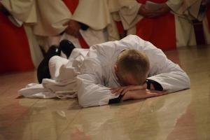 Militärdiözese: Diakonenweihe in der St. Georgs Kathedrale.