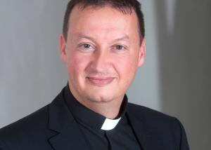 """Bischofskonferenz-Generalsekretär unterstützt """"Stopp Corona""""-App"""