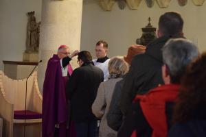 """Aschermittwoch in der St. Georgs Kathedrale: """"Asche als Mittel der Reinigung"""""""