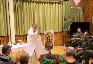 Advenkranzsegnung und Beförderung in der Militärpfarre Tirol