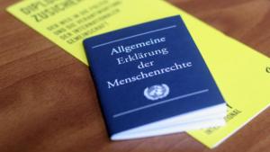 Kirche warnt: Einhaltung der Menschenrechte weltweit in Gefahr