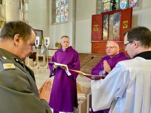 Wiener Neustadt: Diakonweihe in der St. Georgs-Kathedrale