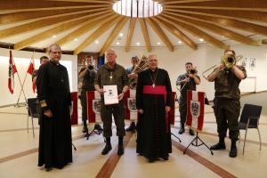 """Ein dem Herrn würdiger Raum – die """"Einweihung"""" der neugestalteten Hauskapelle in der Eugen-Kaserne in Innsbruck"""