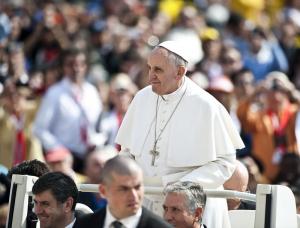 Papst: Vorerst keine Lockerung der Zölibatspflicht